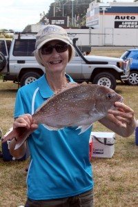 Sue Kemsley with a 2.07kg Snapper